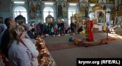 Архиепископ ПЦУ Климент во время пасхального богослужения. Симферополь, 28 апреля 2019 года