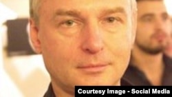 Russian journalist Dmitry Tsilikin was found dead in his apartment with multiple stab wounds.