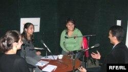 «14-24»ün qonaqları bir masa arxasında, 23 oktyabr 2006