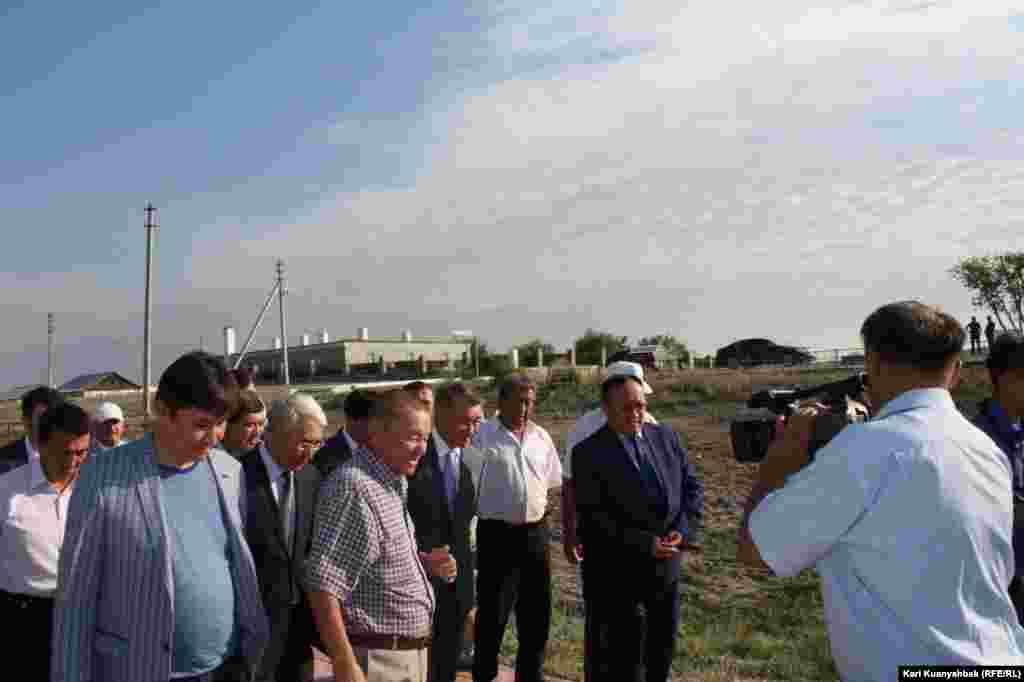 На торжества в Жидебай приехал и аким Восточно-Казахстанской области Даниал Ахметов (в центре).