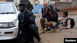 Найробидегі сауда орталығындағы оқиға кезінде. Кения, 23 қыркүйек 2013 жыл.