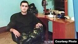 Qətlə yetirilmiş əsgər Elxan Əzizov
