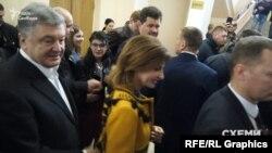 Журналісти запитали Порошенка про зняття санкцій із «ММЗ» під час другого туру виборів президента, але він не відповів