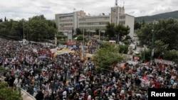 ERT телеарнасының алдындағы наразылық. Афины, Грекия, 13 маусым 2012 жыл. (Көрнекі сурет)