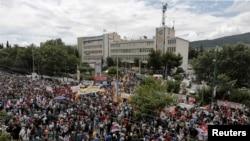 Акция протеста перед зданием ERT