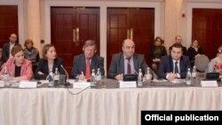 Сегодня Народный защитник Грузии говорил о делах, расследование которых затягивается