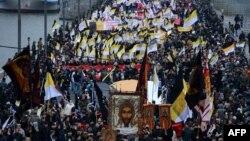 Orsýetiň paýtagty Moskwada gurnalan demonstrasiýa aşa milletçi toparlar-da gatnaşdylar. Moskwa, 4-nji noýabr, 2012.