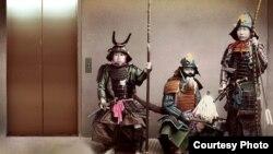 Долго ждать лифта могут только японцы