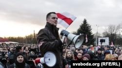 Дзяніс Садоўскі выступае 15 сакавіка на акцыі ў Менску супраць дэкрэту №3