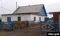 Жансеңгіровтер әулетінің үйі. Ақмола облысы, Максимовка ауылы, 23 қазан 2013 жыл.
