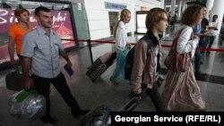 Лишь 41% въезжающих в Грузию являются туристами, еще 20% проезжают страну транзитом, в число оставшихся 39% входят визитеры, посещающие страну по иным основаниям, нежели туризм
