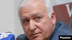 Armenia -- Razmik Zohrabian, one of the leaders of the ruling HHK in a press conference. 05Oct2009