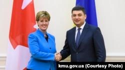 Міністр із питань міжнародного розвитку Канади Марі-Клод Бібо та прем'єр України Володимир Гройсман