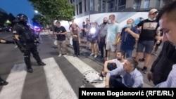 Boško Obradović na pločniku Bulevara kralja Aleksandra, 8. jul