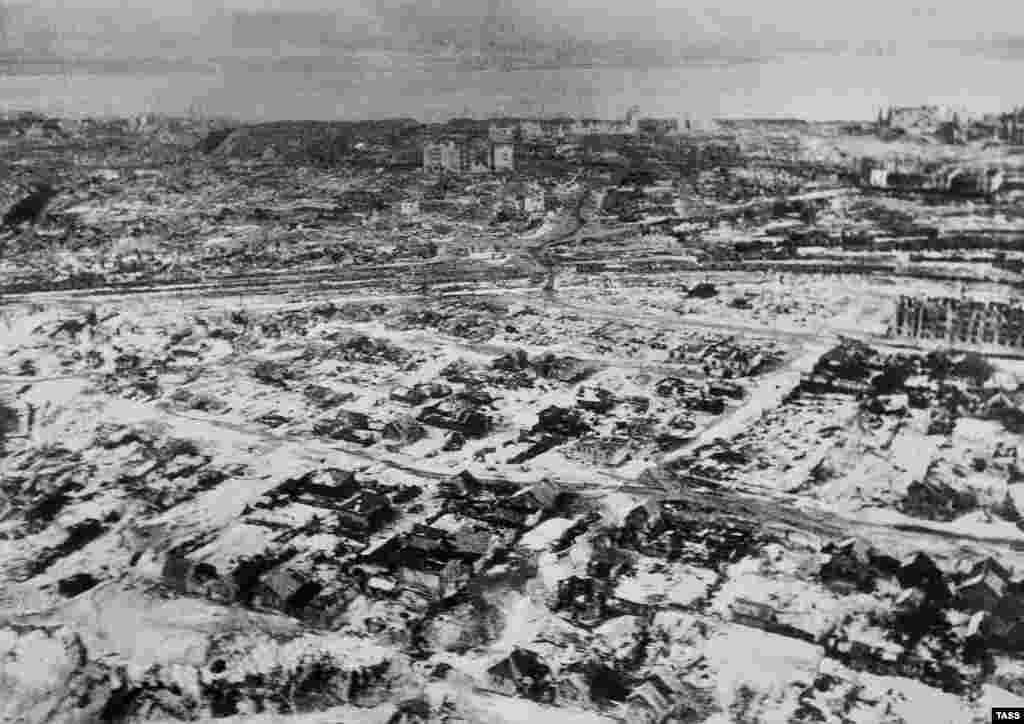 The brutal battle conditions were exacerbated by the harsh Russian winter.