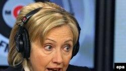 """ჰილარი კლინტონი, ამერიკის სახელმწიფო მდივანი """"ეხო მოსკვის"""" სტუდიაში"""