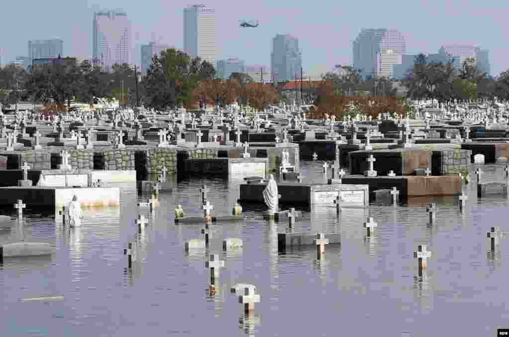 The Metairie cemetery in New Orleans remains flooded a week after Hurricane Katrina struck the city.