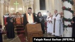 صلاة في كنيسة السريان الأرثودوكس في عمّان