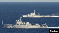 Китайские корабли вблизи спорных островов, на которые претендуют Китай и Япония