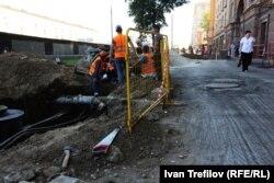 Реконструкция тротуаров на Ленинградском проспекте, август 2015 года
