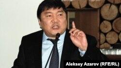 Қалалық әкімшілік өкілі Бақытжан Жоламанов. Алматы, 25 ақпан 2014 жыл.