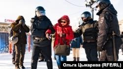 Задержания на площади Ленина в Хабаровске