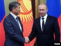 Атамбаев в своей речи поблагодарил Путина