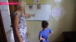 Украинские волонтеры спасают ребенка с ВИЧ