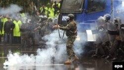Все массовые акции протеста в разное время всеми властями расценивались как попытки государственных переворотов