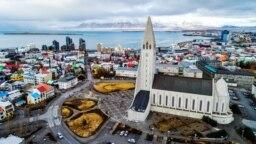 İslandiyanın paytaxtı Reykyavik