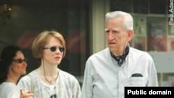 J.D.Salinger həyat yoldaşı Colleen ilə