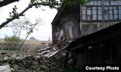 Külək Xaçmazın Uzunoba kənd sakini Yaqub Yaqubovun evini dağıdıb.