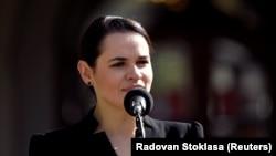 SLOVAKIA -- Belarusian opposition leader Svyatlana Tsikhanouskaya delivers a statement next to Slovak Prime Minister in Bratislava, October 8, 2020
