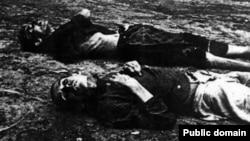 Жертви голоду.<br>(Фото з виставки «Розсекречена пам'ять: Голодомор 1932-1933 років в Україні в документах ГПУ-НКВД»)