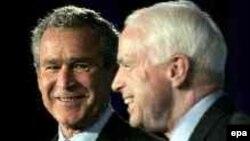 Эксперт Пушков полагает, что ветеран вьетнамской войны сенатор Маккейн (справа) «еще не навоевался» с Россией