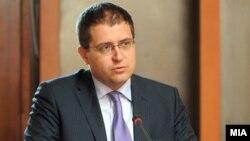 Панче Кралев, министер за образование.