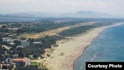 Pamje e Plazhit të Madh në Ulqin