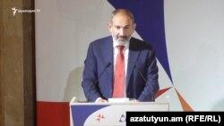 Nikol Pashinian Ermənistan diplomatlarının forumunda, 27 avqust, 2019-cu il