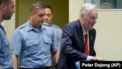 Ratko Mladić na izricanju presude u sudnici Haškog tribunala