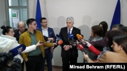 Dragan Čović daje izjavu medijima u Mostaru, 2. mart