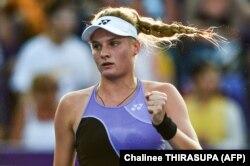 Даяна Ястремська виграла свій третій титул у віці 19 років і 10 днів, що є абсолютним рекордом для України