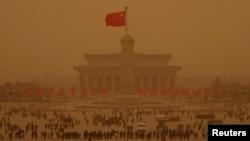 Diplomația chineză s-a angajat într-o ofensivă care nu cruță niciun pol de putere de pe glob.