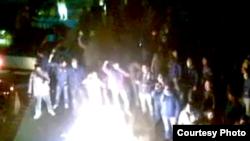 چهارشنبه سوری در تهران به همراه شعارهای ضدحکومتی