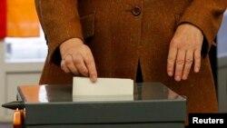 130 орундуу Берлин парламентине 21 партиядан 927 талапкер ат салышты.