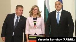 Бойко Борисов с вицепремиерите Красимир Каракачанов и Екатерина Захариева