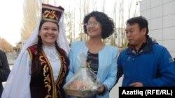 Чик буенда Кытай рәсмиләре белән очрашу