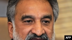 ذوالفقار مرزا د سیند کابینه کې یو خولور وزیر ګڼل کېدی.