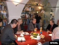 Сяргей Навумчык і Івонка Сурвіла на прыёме ў Вацлава Гаўла, 20.03.2008