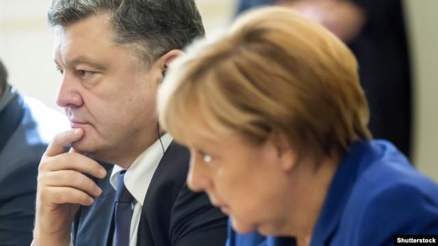 Ukrainian President Petro Poroshenko and German Chancellor Angela Merkel in Paris in October.