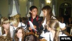 Молодіжні лідери обговорюють українські та європейські проблеми в стінах Національного університету «Острозька академія», 8 вересня 2009 року.